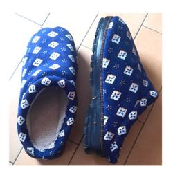 Chausson Bleu Asiatique Taille 38