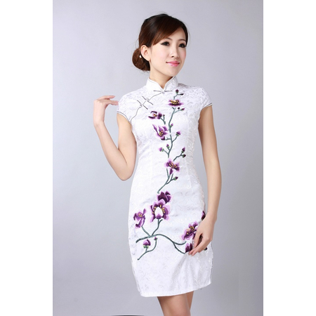 Robe Asiatique Blanche Coton Bordee Fleur